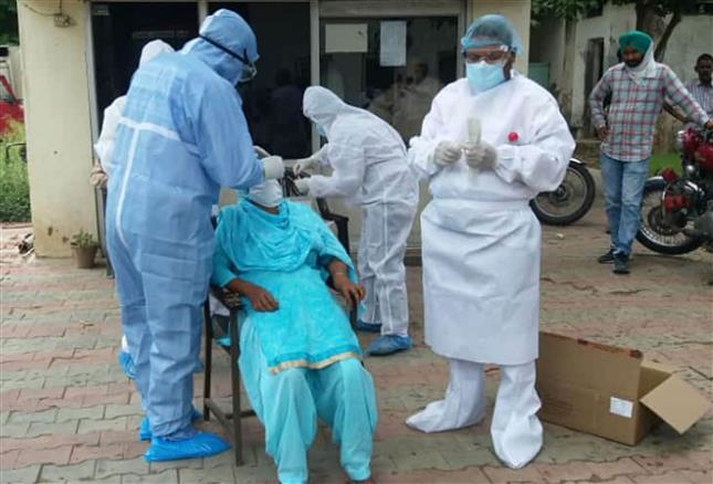 India reports 3.68 lakh new coronavirus cases, 3,417 more deaths