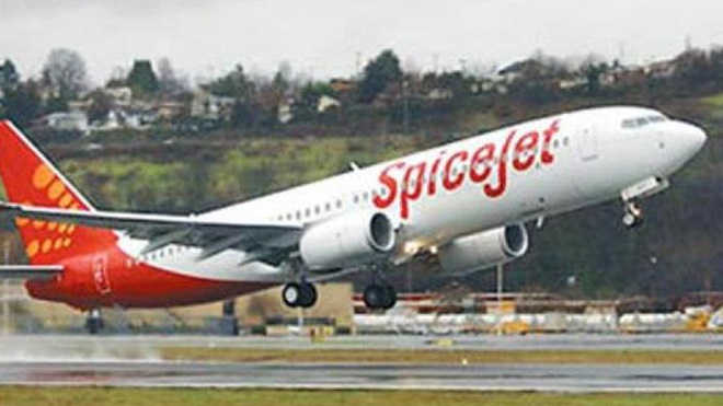 SpiceJet airlifts 2,900 oxygen concentrators from Hong Kong to Delhi