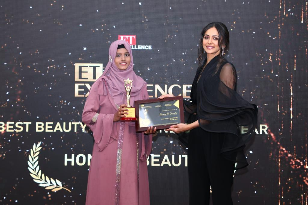 Awarded the Best Young Entrepreneur, Umaira Habib's  cosmetic venture 'Honey n Beaute' is the one to look out for