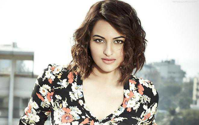 Sonakshi Sinha gets the jab, shares photo