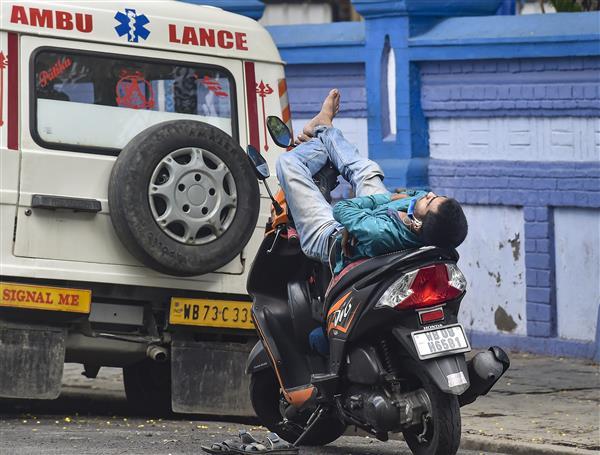 India reports 3,43,144 new coronavirus cases, 4,000 deaths