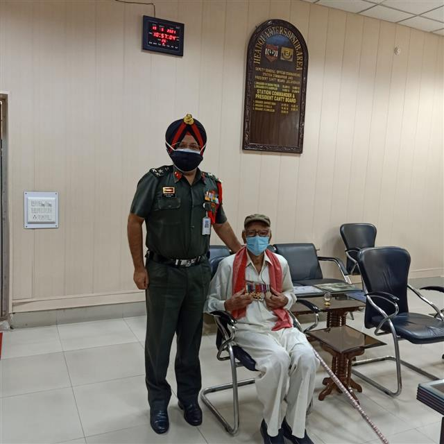 Covid-19: 99-year old veteran donates Rs 1 lakh to Army at Jalandhar headquarters