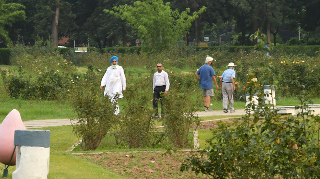 Chandigarh eases weekend curfew for morning walks on Sunday