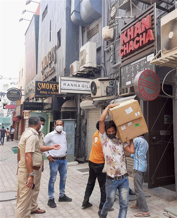 Delhi Police recover over 100 oxygen concentrators from two restaurants in Khan Market area