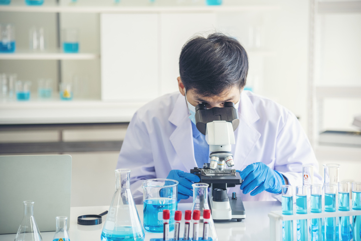 Medical  lab tech courses for a secure future
