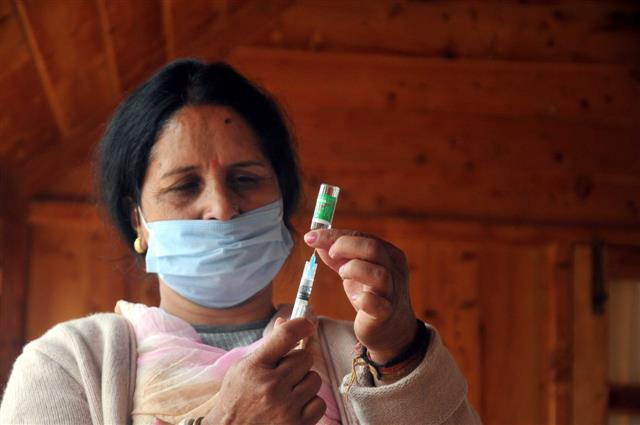 Covid positive should defer vaccine for 6 months post recovery: Govt
