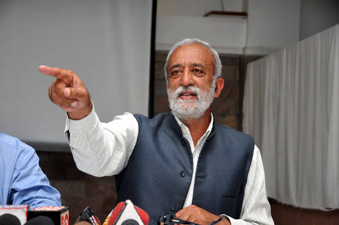 Provide more beds at IGMC, says Rakesh Singha
