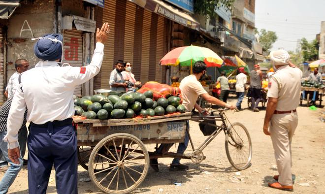 Residents violate weekend lockdown in Amritsar