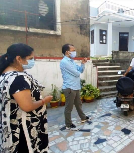 Doorstep visit a morale booster for Covid-hit