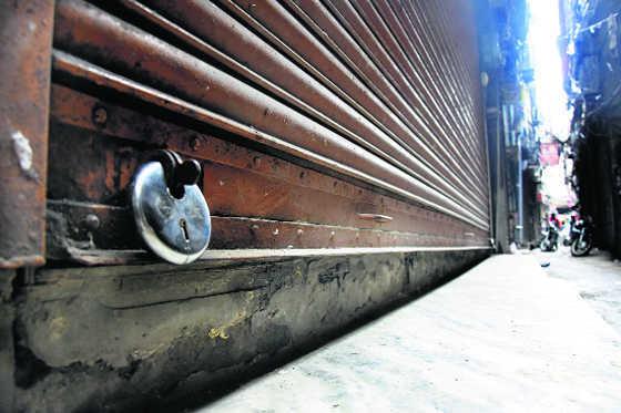 Take closure orders back: Shopkeepers