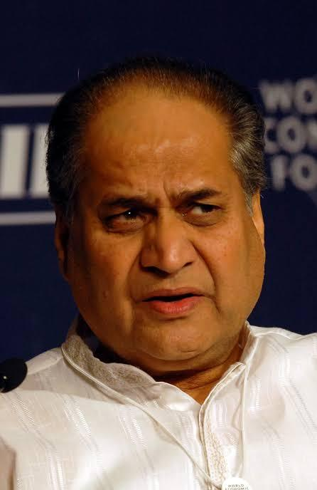 Rahul Bajaj quits as chairman  of Bajaj Auto
