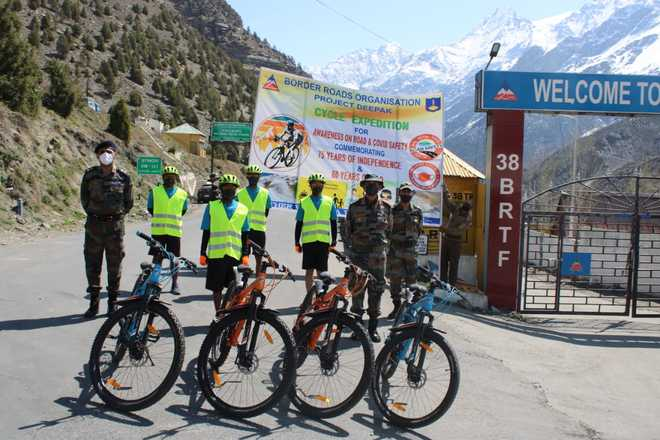 Cycling expedition to Pir Panjal flagged off