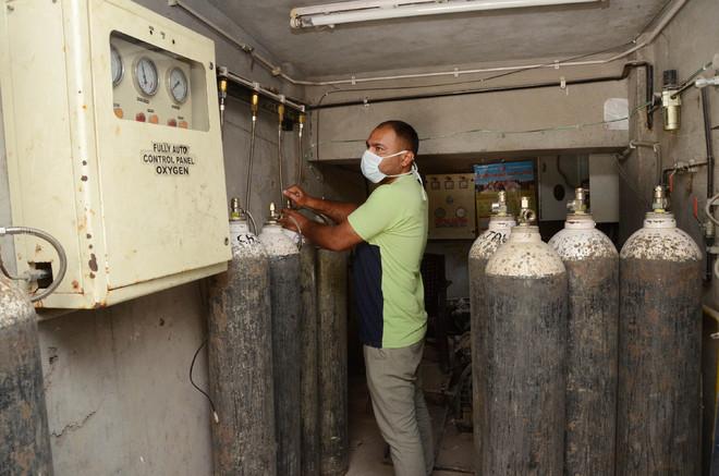 Jalandhar's private hospitals receive additional 388 oxygen cylinders