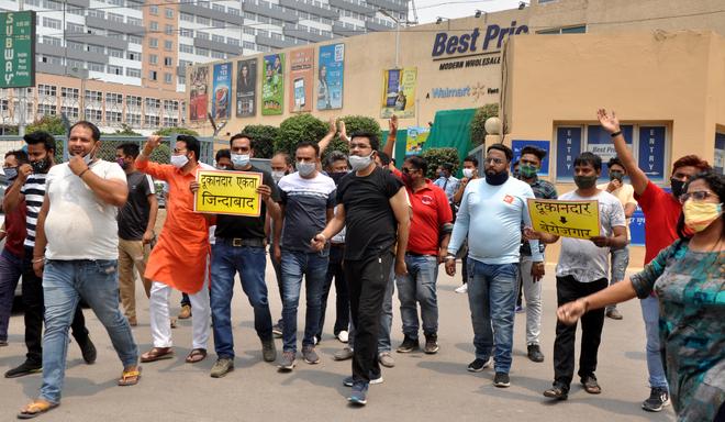 Shopkeepers, traders protest in Zirakpur
