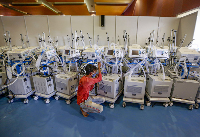 Rushing experts to fix Punjab ventilators, says Vardhan