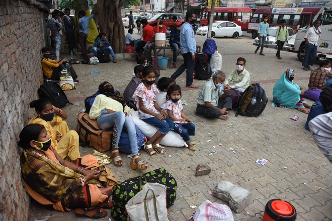 Private bus operators in Ludhiana charge hefty fares from migrants