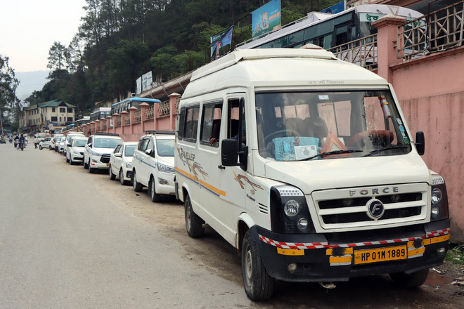 In financial distress, taxi drivers urge Himachal govt to allow service