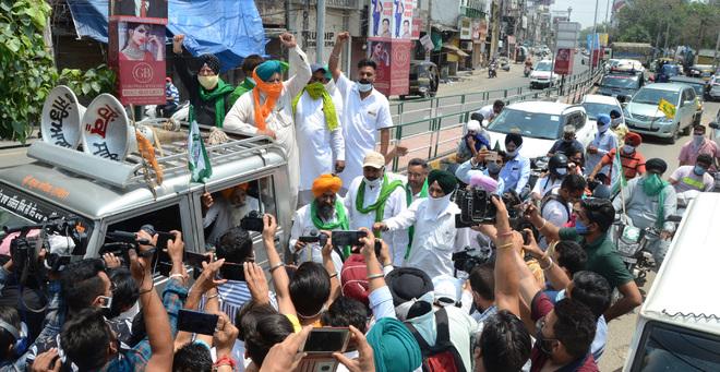 Farmers' protest in Jalandhar evokes no response, shops stay shut