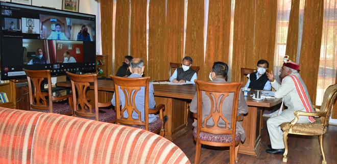 Encourage students to help admn, Himachal Governor asks Vice Chancellors