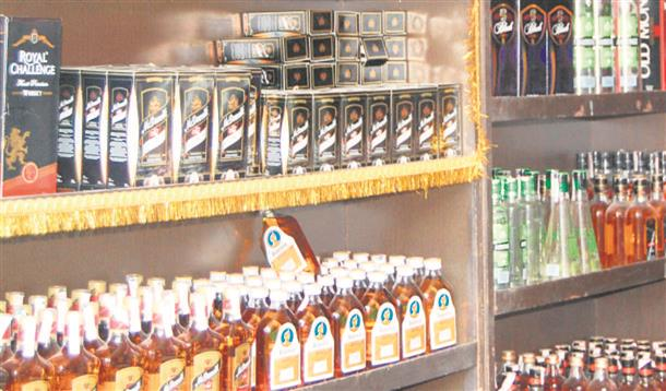 Liquor traders in Punjab want relief in lieu of curbs