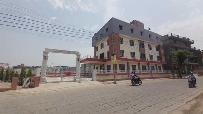 Hospital building lying idle in Faridabad village