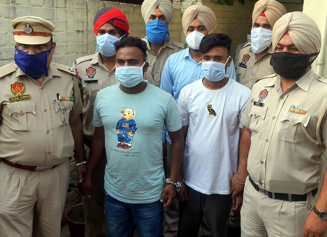 Notorious criminal, accomplice arrested with 4 pistols, bullets