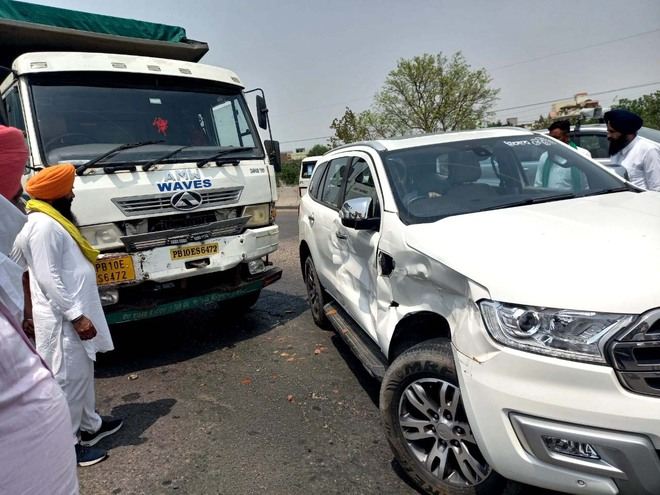 Car of BKU leader's cavalcade meets with accident, all escape unhurt