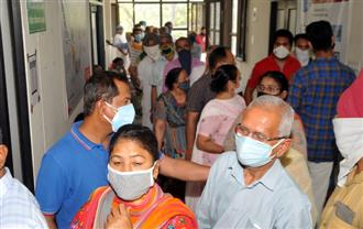 Ten fall prey to virus, 561 test +ve in Amritsar