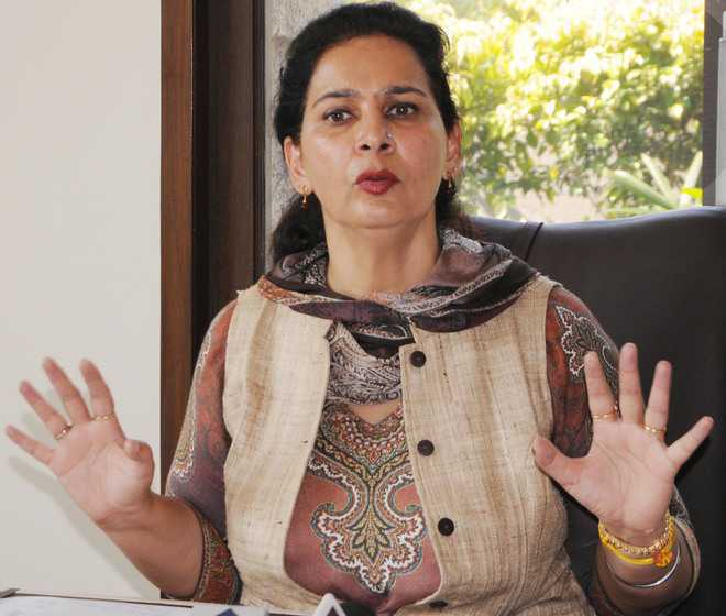 Navjot Kaur Sidhu, Kuljit Nagra criticise Punjab govt for giving jobs to sons of 2 Congress MLAs