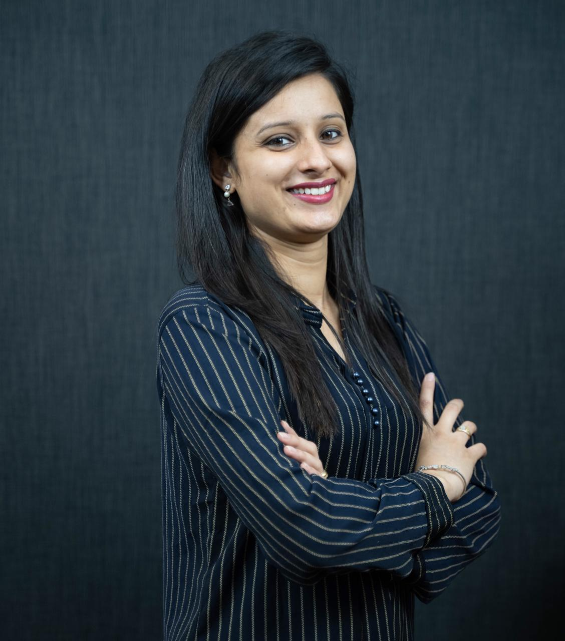 Women entrepreneur working for online reputation management to help brands from local to global
