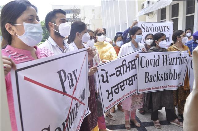 Doctors' strike hits medical services in Punjab