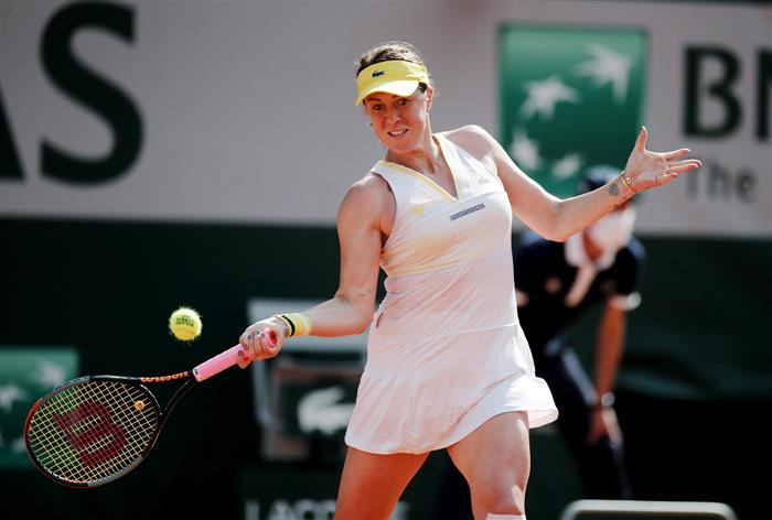 Pavlyuchenkova outlasts Rybakina in Paris to reach first Grand Slam semi-final