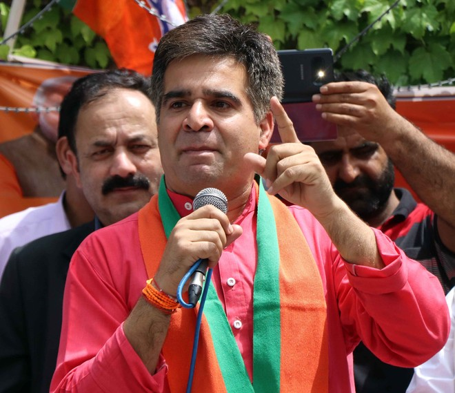 BJP delegation opposes dialogue with Pak at all-party meet on J-K