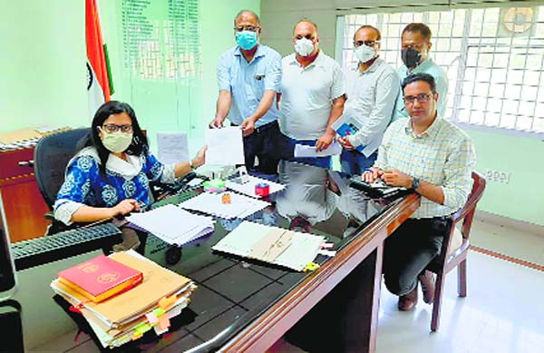 6th Pay Commission recommendations : Doctors submit memo to Fatehgarh Sahib Deputy Commissioner