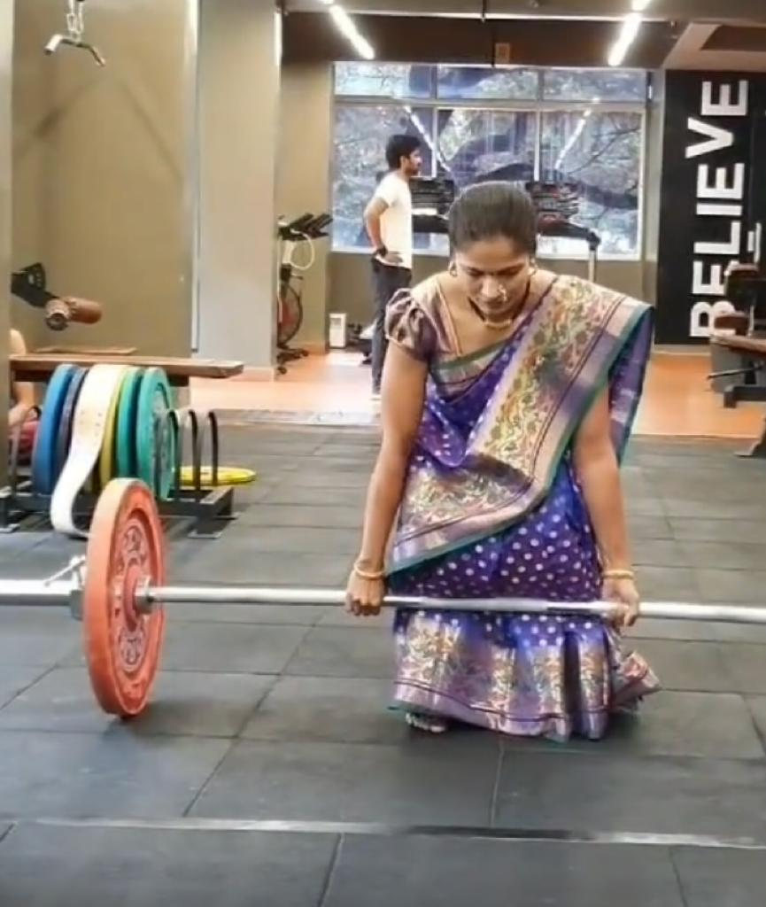 Pune woman does weightlifting, pushups 'effortlessly in saree, sets major fitness goals; video viral
