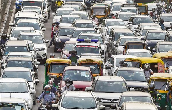 Delhi sizzles at 41.7 degrees C