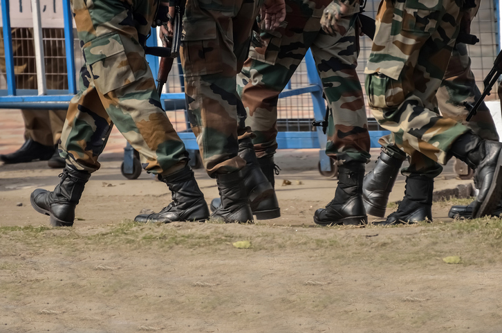 Army pays floral tributes to soldier who slipped to death in Jammu and Kashmir
