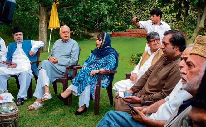 14 J-K leaders invited to PM Narendra Modi's meet