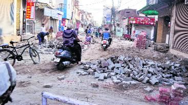 Roads under construction in city, motorists forced to take detours