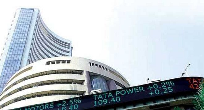 Sensex, Nifty scale fresh peaks; RIL leads charge