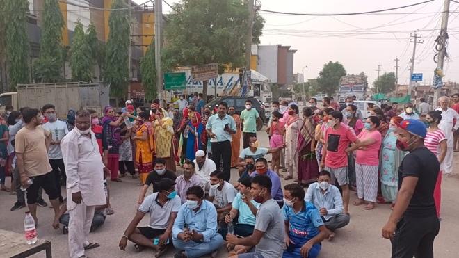Residents of Zirakpur protest erratic power