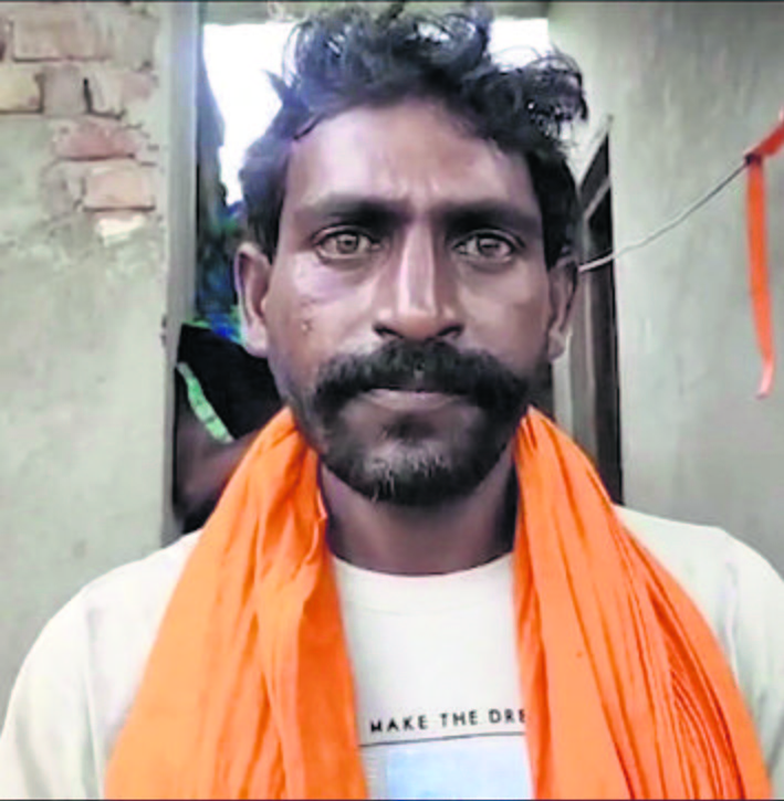 Boatman saves infant, to be feted by Uttar Pradesh