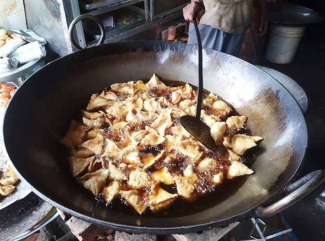 Unable to satiate your taste buds?  First, check the oil your pakoras are fried in