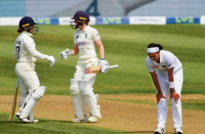 Spinners turn it around for India