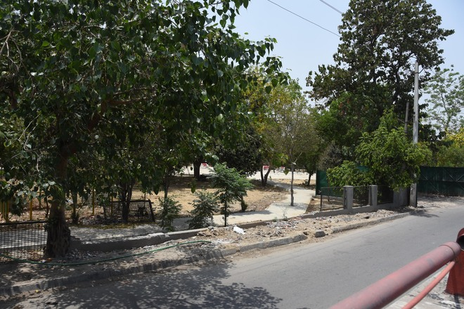 Residents oppose plan to set up garbage compactor at Ludhiana's Bhai Chattar Singh Park