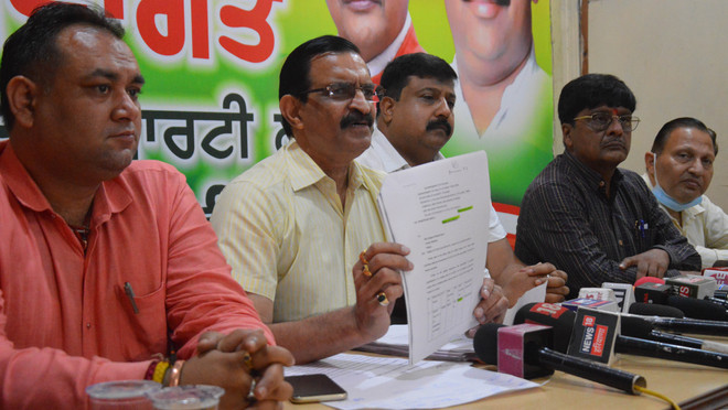 BJP alleges Rs8-cr scam in purchase of 'Fateh' kits