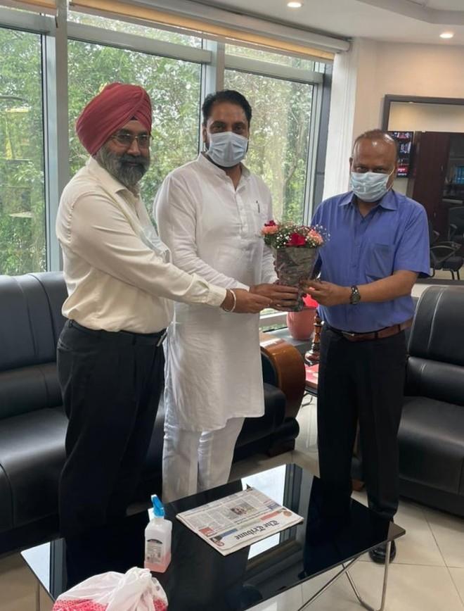 Mohali Mayor, Deputy meet Secretary over staff shortage