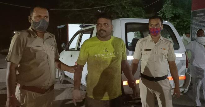 Two drunk men enter salon, make obscene gestures, thrash policemen in Panchkula