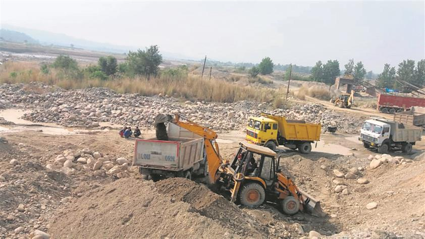 Case against 18 persons for mining sand in Amritsar