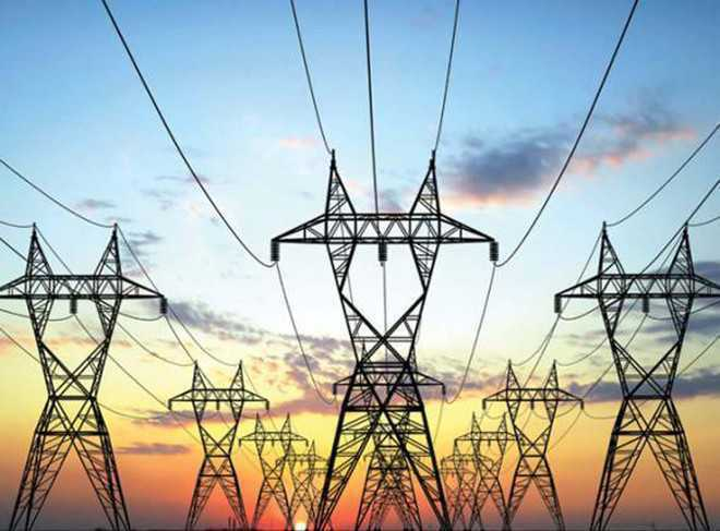 Palampur: No power supply for three days, villagers protest